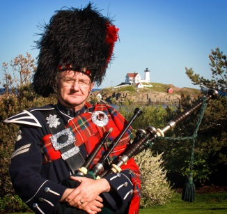 piper bagpipes scotish scott lighthouse event maine coast york beach