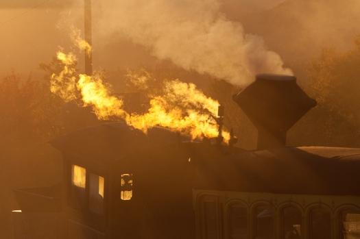 locomotive cog railway mount washington sunset light beautiful travel smoke steam